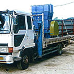 移動式廃木材リサイクル・シュレッダー設備